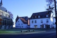 Lippborg_heute_vor_der_Kirche